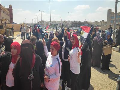 صور| النساء تتصدر المشهد للاستفتاء على الدستور بالشروق