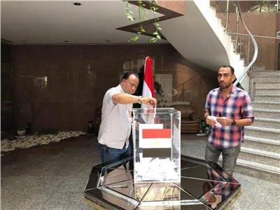 سفيرنا بالجزائر يشيد بمشاركة المصريين في الاستفتاء على التعديلات الدستورية
