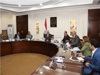 وزير الإسكان يتابع مشروع تطوير القطاع الشمالي لمحافظة الجيزة