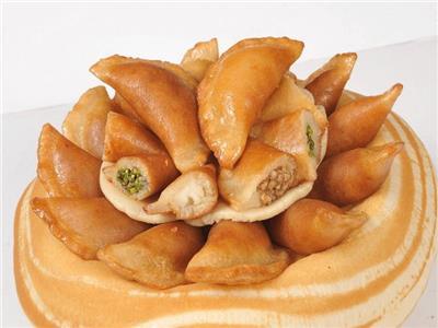 حلويات رمضان.. طريقة تحضير عجينة القطايف بدون خميرة