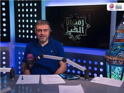 الليثي يقدم رحلة عمرة لـ«عايدة» في «رمضان الخير»