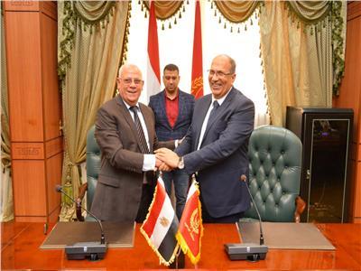 بروتوكول بين محافظة بورسعيد و«التنمية الصناعية» لتمليك ٥٤ مصنعا للشباب
