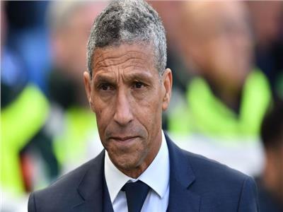 برايتون يقيل مدربه بعد ضمان البقاء في الدوري الإنجليزي