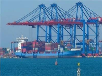 تداول 465 شاحنة بضائع عامة بموانئ البحر الأحمر