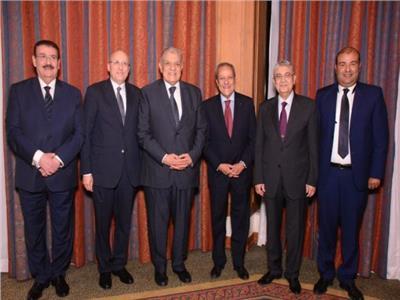 صور  رئيس الوزراء وشخصيات عامة على مائدة إفطار منير فخري عبدالنور