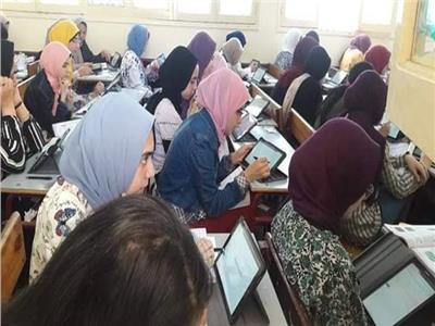 التعليم البحيرة: 87.1% من طلاب أولى ثانوي أدوا امتحان «الجغرافيا» إلكترونيا