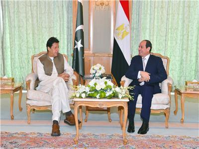 الرئيس السيسي يلتقي رئيس وزراء باكستان في مكة المكرمة