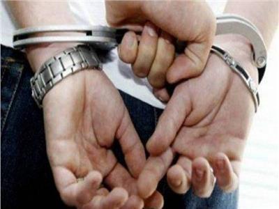 ضبط تاجر مخدرات بحوزته 5 كيلو حشيش في الطالبية