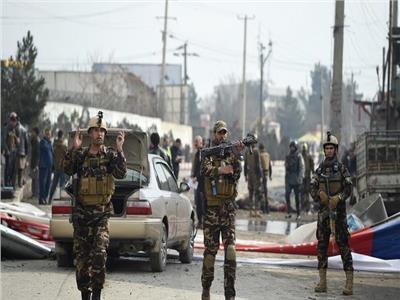 مقتل 8 عناصر أمن بهجوم لطالبان وسط أفغانستان