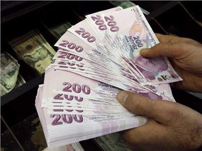 بعد إقالة محافظ البنك المركزي .. انخفاض الليرة التركية