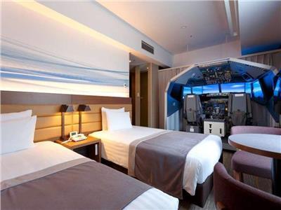شاهد  في كوكب اليابان.. «فندق بغرف طائرة»