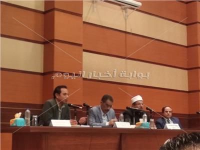 جمال عبدالرحيم: الصحافة الورقية في أزمة واستعادتها يلزمها التدريب