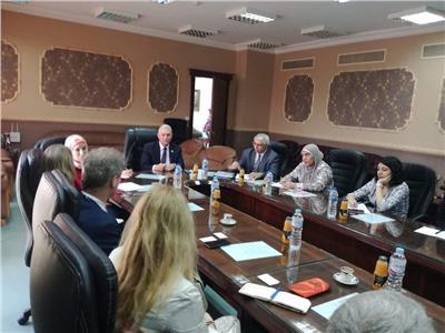 رئيس مصلحة الجمارك يلتقي مسئولي برنامج تطوير القانون التجاري الأمريكي والبنك الدولي