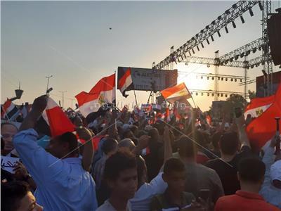 شحتة كاريكا والجزار يشعلون احتفالات مليونية المنصة
