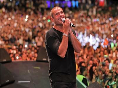 آخرهم عمرو دياب.. 4 مطربين سبقوا الهضبة في الغناء لـ«المراية»