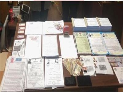 تجديد حبس كوافيرة بتهمة حيازة وترويج عملة مزورة بالمرج