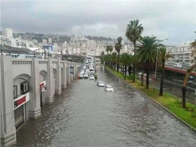تلفزيون النهار: الأمطار توقف شحنات النفط الجزائرية من ميناء سكيكدة