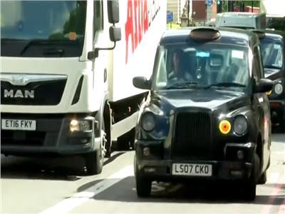شركة بريطانية تبتكر جهازا لتنقية الهواء من الغازات السامة في الطرق