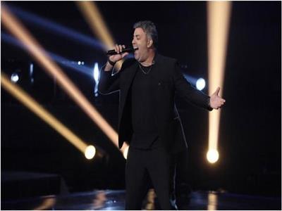يوسف هناد يشعل مسرح «thevoice» في حلقة العرض النهائي الثالث