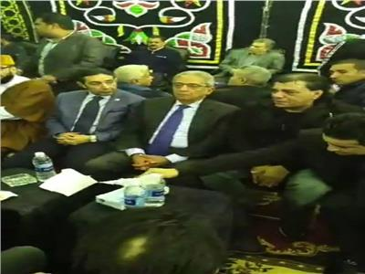 فيديو| عمرو موسى يظهر في عزاء شعبان عبد الرحيم