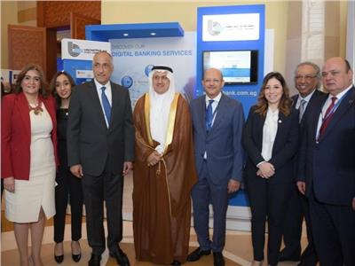 طارق عامر يزور جناح قناة السويس بالمؤتمر المصرفي السنوي