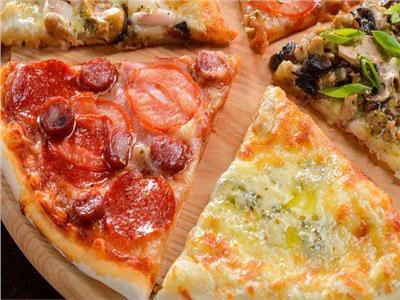 «نصائح مجربة» .. طريقة الحصول على نكهة مميزة للبيتزا