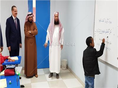 صور| المستشار الثقافي يتفقد مدارس تُدرس المنهج المصري بالرياض