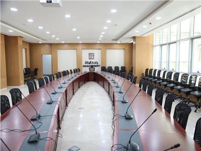 صور| وزير التعليم العالي يتفقد منشآت جامعة الجلالة