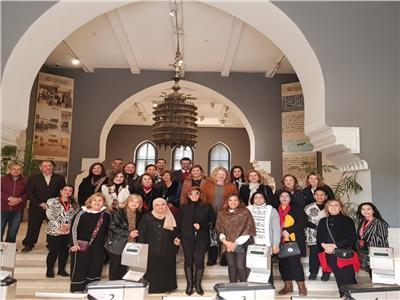 متحف الفن الإسلامي يستقبل مجموعة من زوجات الوزراء والدبلوماسيين