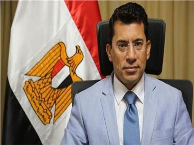 وزير الرياضة يتلقى التهنئة بإنجاز اليد من نظيرته التونسية