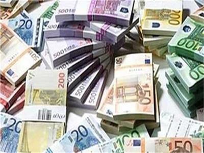 تراجع أسعار العملات الأجنبية بالبنوك.. واليورو يسجل 16.94 جنيه
