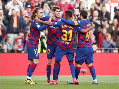 التشكيل المتوقع لبرشلونة ونابولي قبل لقاء الليلة