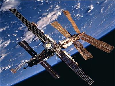 «مير».. تكتب نهاية أكبر محطة فضائية صنعها الإنسان  فيديو