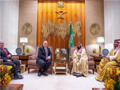 ولي العهد السعودي يبحث مع بومبيو تطورات الأوضاع الدولية