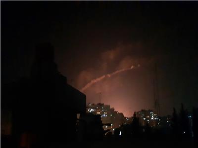 الدفاعات الجوية السورية تتصدى لأهداف معادية جنوب دمشق