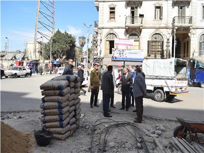 محافظ المنيا يتابع بدء أعمال تطوير ميدان المحطة