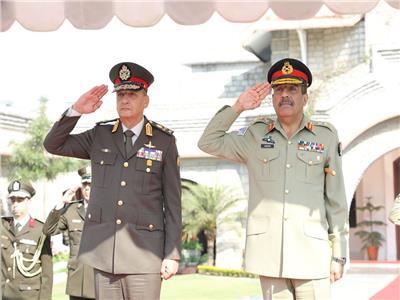 صوروفيديو.. وزير الدفاع يعود إلى القاهرة بعد زيارة رسمية لجمهورية باكستان