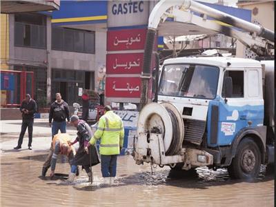 الحياة تعود لشوارع العاصمة بعد موجة الأمطار