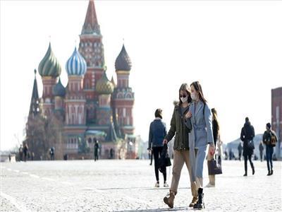 روسيا تسجل 5267 حالة إصابة جديدة بفيروس كورونا