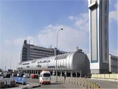 استئناف رحلات الجسر الجوي الاستثنائية إلى العراق عبر مطار القاهرة