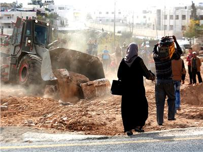 الاحتلال يجبر عائلة فلسطينية على هدم منزلها في سلوان بالقدس