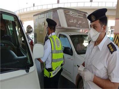 الداخلية: اتخاذ الإجراءات القانونية لألف و398 سائقا لعدم التزامهم بارتداء الكمامات