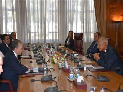 أبو الغيط يبحث مع وزير خارجية أرمينيا تطورات الأوضاع في المنطقة