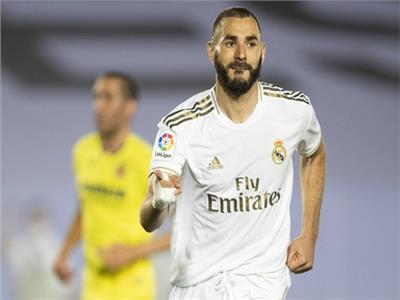 كريم بنزيما يقود ريال مدريد أمام سوسيداد