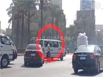 «امسك مخالفة»  فيديو.. سيارات تسير عكس الاتجاه على محور روكسي رمسيس