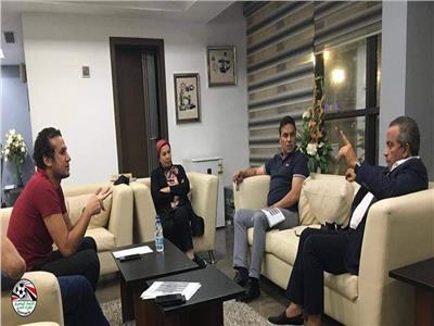 اللجنة الخماسية تجتمع مع حسام البدري