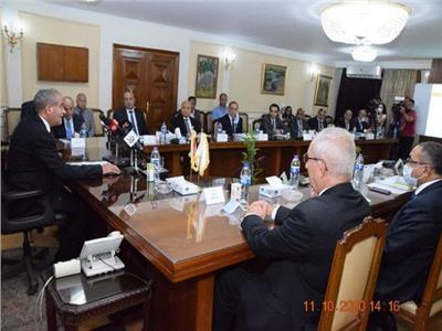 وزير التموين: تحالف دولي لتطوير شركة السكر.. ولن نتخلى عن عامل واحد