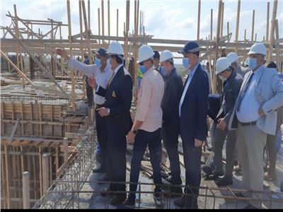 وزير التعليم العالي يتابع سير العمل في جامعة المنصورة الأهلية الجديدة