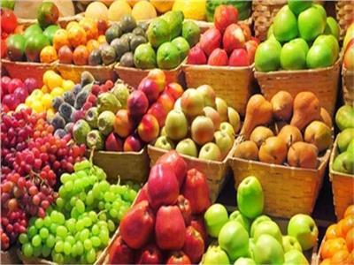 أسعار الفاكهة في سوق العبور اليوم .. واليوسفي يبدأ من  ٣ جنيهات