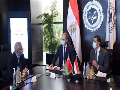 رئيس هيئة الاستثمار يبحث مع السفير البيلاروسي بالقاهرة جذب مزيد من الاستثمارات